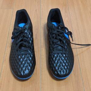Nike Legend 8 Club Soccer Shoes